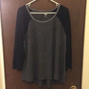 ❤️2 for 15❤️ Old Navy black and grey baseball tee